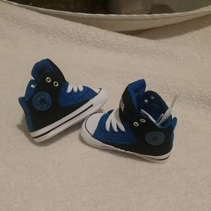 Size 2 (3 to 6 month) converse